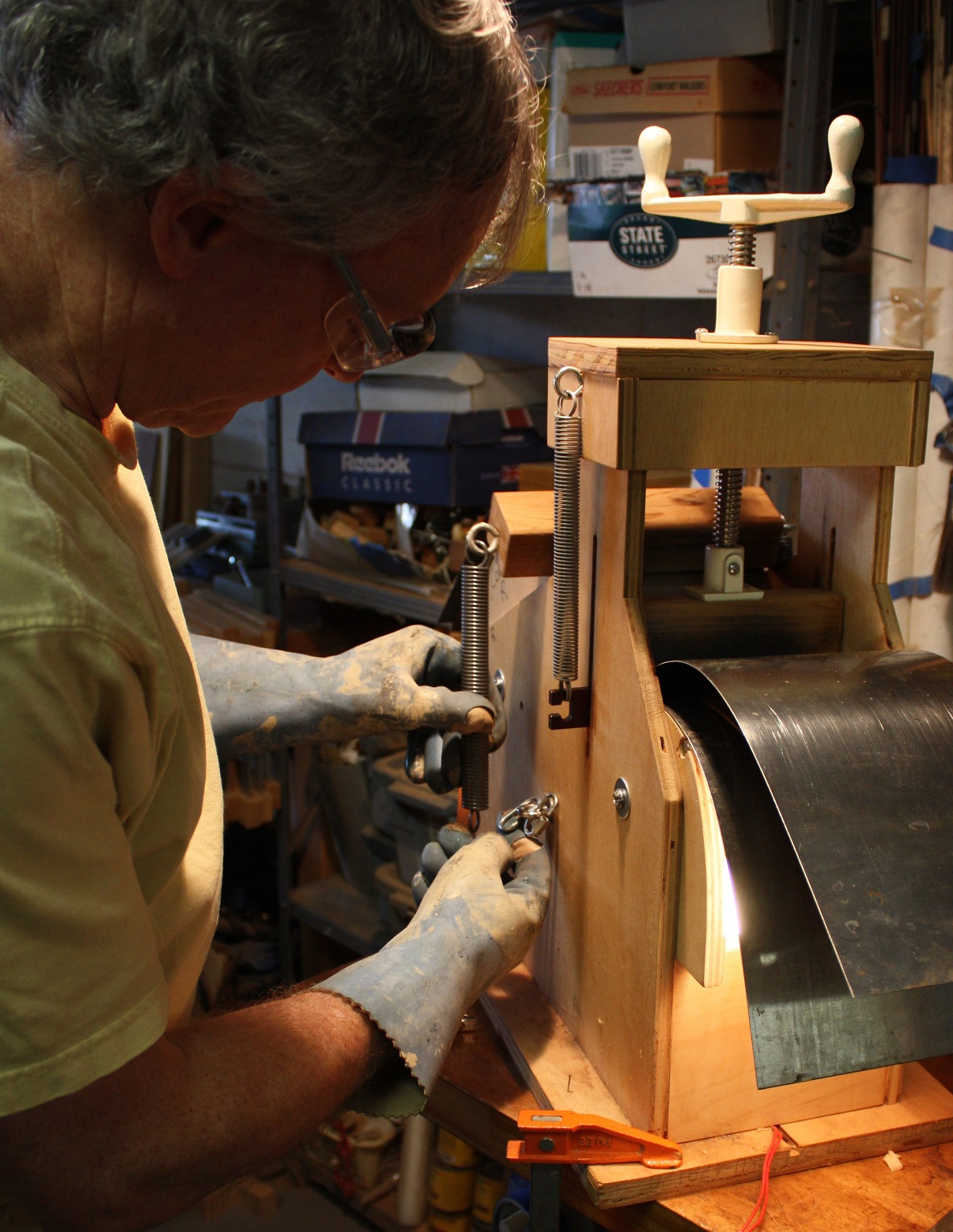 Bending the sides using my jig with steam and heat. The Oregon Myrtle bends like a dream.